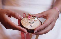 porte-alliance-mariage-rondin-de-bois