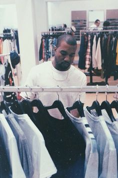 The Classy Issue Kanye West Style, Kanye West Fashion, Yeezy Season, Pop Culture, Hip Hop, Street Wear, Mens Fashion, Fashion 2018, Fashion Fall
