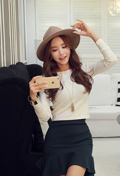 Merry Simple Crop Tee | Korean Fashion