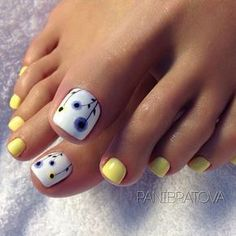 Installation of acrylic or gel nails - My Nails Pretty Toe Nails, Cute Toe Nails, My Nails, Toe Nail Color, Toe Nail Art, Yellow Toe Nails, Summer Toe Nails, Summer Pedicures, Summer Pedicure Colors