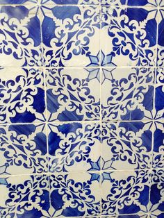 Lisbon Tiles @emmafogt Mosaic Tiles, Mosaics, Ceramic Painting, Crafts To Do, Lisbon, Surface Design, Damask, Islamic, Stained Glass