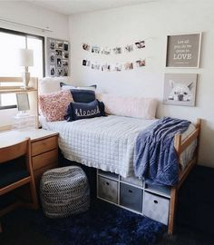 How to Decorate Your Uni Halls Room on a Budget - Uni Halls Decor Halls Room? How Are You Going to Decorate Yours? With move in day edging closer, Uni-room/dorm room Cozy Dorm Room, Uni Room, Cute Dorm Rooms, Cozy Bedroom, Dream Bedroom, Master Bedroom, College Bedroom Decor, Room Ideas Bedroom, College Dorm Rooms