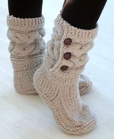 Womens Burgundy Chunky Hand Knitted Slipper Boots, Cable Slippers, Hand Made, Custom Designs, All Colors Available Womens Burgandy Hand Knitted Slipper Boots by twinklesparkleknits Chunky Knitting Patterns, Hand Knitting, Crochet Patterns, Crochet Ripple, Knit Crochet, Knitted Slippers, Crochet Shoes, Slipper Boots, My Socks