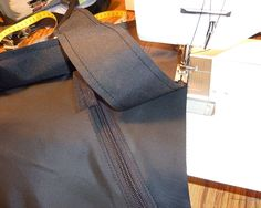 How to sew a frame bag. Long and pic heavy. Bike Frame Bag, Bikepacking Bags, Bike Packing, Mountain Bike Reviews, Fat Bike, Diy Bags, Easy Projects, Two By Two, Shabby