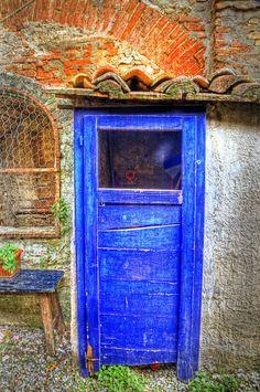 Photographic Print: Italy, Monterigioni, Old Hand Painted Doors in Back Alley of Town. by Terry Eggers : Old Doors, Windows And Doors, Front Doors, Front Porch, Portal, Door Knockers, Door Knobs, Door Handles, Rustic Doors