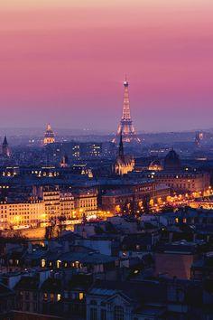 CATHÉDRALE NOTRE-DAME DE PARIS & TOUR EIFFEL, PARIS, FRANCE