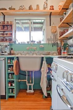 Beatrice Valenzuela - kitchen