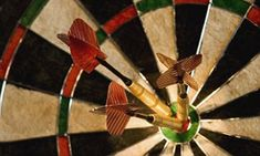 Graham Kendall from the University of Nottingham has explained the best strategy for amateurs, and discusses whether the dart board design needs a makeover.