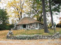 mushroom-house.jpg (550×407)