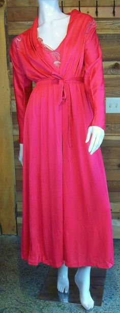 3a68cda782 Vintage Lingerie Miss Elaine Gold Label Red Nightgown and Robe Set Good  Night Baby