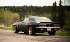 Davenport Motorsports transformed Carson's '67 Camaro with an LS3 engine (complete with Lingenfelter GT14 cam), 5-speed transmission swap, Corbeau seats & harnesses, RideTech Street Grip suspension, Baer brakes, and this gorgeous set of Forgeline GX3 wheels finished with Matte Gold centers & Polished outers. See more: http://www.forgeline.com/customer_gallery_view.php?cvk=1684 #Forgeline #GX3 #notjustanotherprettywheel #madeinUSA #Chevrolet #Chevy #Camaro #RideTech #StreetGrip #BaerBrakes