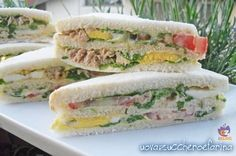 bar sandwiches simple recipe for buffet- tramezzini del bar ricetta semplice per buffet The bar sandwiches are perfect for every occasion; practical for the lunch break at the office, great to take to the beach for lunch under the umbrella - My Favorite Food, Favorite Recipes, Italian Street Food, Panini Sandwiches, Vol Au Vent, Waffle Sandwich, Finger Foods, Food Inspiration, Italian Recipes