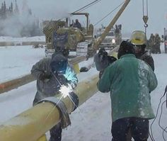 Looking for oilfield jobs? We're your one stop spot for oilfield jobs, oilfield news, oilfield learning and more. Welding Rigs, Welding Art, Pipeline Welders, Welder Jobs, Pipeline Construction, Royal Dutch Shell, Oil Sands, Oil Refinery, Oil Rig