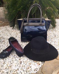 Hazte con tus zapatos y complementos en www.zapatosparatodos.es estamos en rebajas