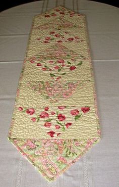 Tulips and Paisley Quilted Table Runner.  Great small project for practicing stippling!