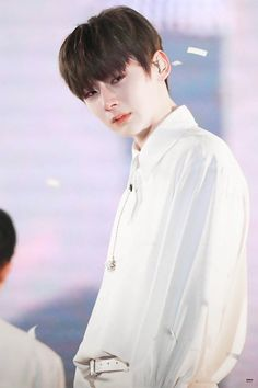 OH NU! Why are you crying? you make me cry too Korean Entertainment, Pledis Entertainment, Busan, Ong Seung Woo, Nu Est Minhyun, Cho Chang, Lai Guanlin, Kpop Guys, Kim Jaehwan