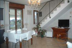 #appartamento in #vendita a #Cattolica: bellissimo, di recente costruzione, ben rifinito e ottimamente arredato. Soggiorno-cucina, 3 camere, 2 bagni, terrazzi e garage di 40Mq.