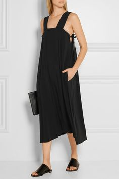 Black cady Slips on 54% viscose, 46% acetate Dry clean Imported