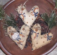3 Primitive Rustic Christmas Snowman Hearts Bowl Fillers Ornaments Ornies Tucks #Primitive #ChooseMoosePrimitiveDesigns