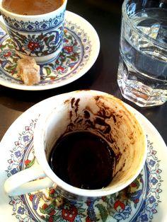 Türk Kahvesi ve Tellwe li Kahve falı