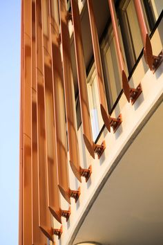 Using Louvres and Feature blades provides a perfect solution to efficiency cooling the building while also adding style to the exterior. Building Skin, Building Facade, Plano Hotel, Facade Design, House Design, Shading Device, Metal Facade, Facade Architecture, Cultural Architecture