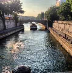 Best time to visit Paris? The winter. Find out why on Travel + Leisure. Photo courtesy of le petit paris on Instagram.