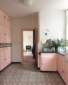 pink kitchen. For more, visit houseandleisure.co.za