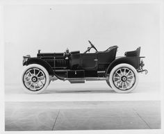1911 Packard 18 Model NCS 4-cylinder, 30-horsepower, 108-inch wheelbase, 2/3-person runabout