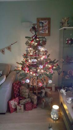 my gorgeous tree 💜💜💜