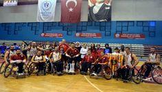 Galatasaray Tekerlekli Basketbol Takımı, Merter Fatih Koleji öğretmen ve öğrencileri tarafından düzenlenen anket sonucunda 2013 Yılının Spor Takımı Ödülü'ne layık görüldü.