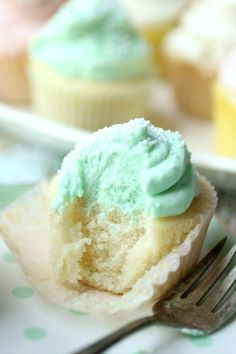 Classic white cupcakes recipe is simply the best. Moist, fluffy, and tender flavored with a traditional combination of almond and vanilla - plus I\'ve got a tip that will give your cake so much flavor people will be begging to know how you do it. These homemade cupcakes are topped with whipped cream cheese icing. #cupcakesrecipe #whitecupcakes