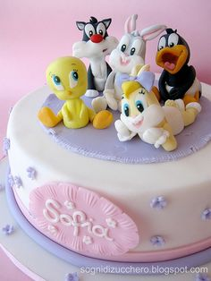 Baby Looney Tunes cake by Sogni di Zucchero, via Flickr