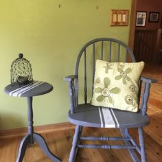 Rocking Chair Redo - Thrifty to Nifty Rocking Chair Redo, Build Your Own Sofa, Treasure Hunting, Chair And Ottoman, Decorating On A Budget, Homemaking, Nifty, Painted Furniture, Repurposed