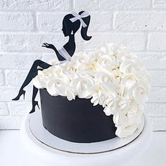 Yes or no 17 cake by this cake is so beautiful a good idea for a birthday cake women pinky dress macarons black… – Artofit Dance Birthday Cake, Special Birthday Cakes, 40th Birthday Cake For Women, Cake Decorating Videos, Cake Decorating Techniques, Fondant Cakes, Cupcake Cakes, Hen Party Cakes, Silhouette Cake