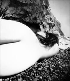 Photo Bill Brandt – Nude – East Sussex coast – 1953 While your here check out: www. Figure Photography, History Of Photography, White Photography, Vintage Photography, Amazing Photography, Alfred Stieglitz, Man Ray, Bill Brandt, High Contrast Images