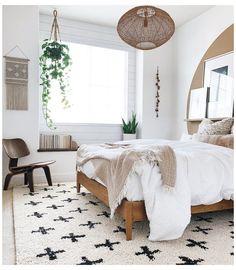 Room Ideas Bedroom, Wood Bedroom, White Wall Bedroom, Airy Bedroom, Teen Bedroom, Bedroom Furniture, Master Bedroom, Scandi Living, Wood Platform Bed