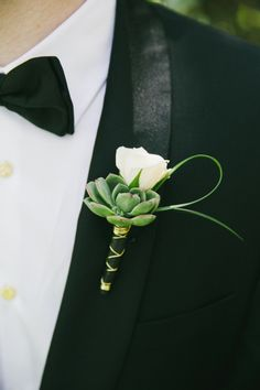 Succulent boutonniere: http://www.stylemepretty.com/little-black-book-blog/2014/12/11/playful-elegance-in-palm-springs/ | Photography: Onelove - http://www.onelove-photo.com/