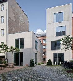 Büroerweiterung von Chipperfield in Berlin / Kantine im Kubus - Architektur und Architekten - News / Meldungen / Nachrichten - BauNetz.de