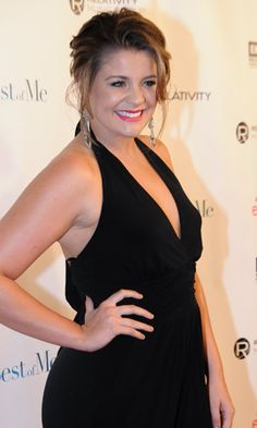 """Music Row updates their readers about Lauren Alaina's  surgery. Per @MusicRow: Lauren reports that she is singing """"ten times better,"""" after vocal  surgery at Vanderbilt in August.(October 2014)  Click here to read more: http://www.musicrow.com/2014/10/artist-updates-lauren-alaina-the-swon-brothers-scotty-mccreery-jared-blake/ …"""