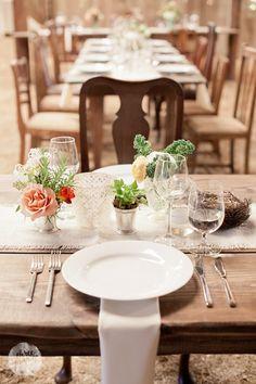 wedding floral table setting - Virtu Floral Design/Three Pennies photography