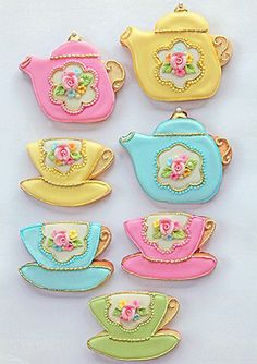 Teaset cookies...these little teapot cookies look beautiful!