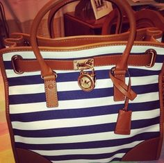Tis fits perfectly and the deep navy is exactly how it shows!!! I have already recommended the site to friends!!!