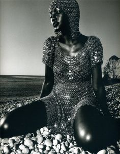 """""""amazones"""" thiery le goues #chainmail #editorial"""