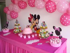 Fiesta de Minnie Minie Mouse Party, Minnie Mouse Party Decorations, Minnie Mouse 1st Birthday, Minnie Mouse Baby Shower, Girl Birthday Themes, Mickey Party, Mouse Parties, First Birthday Parties, Birthday Decorations