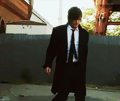 Doing His pimp walk ( Model session I suppose ) tumblr_n6wqwogv571sxqh8so1_250.gif (245×207)