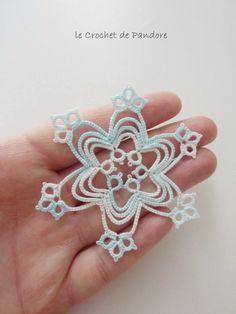 les Frivolités de Pandore, dentelle aux navettes.: Flocon Ice Blue (Ice Blue Snowflake)