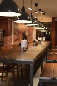 Communal table, bar height with stools Japanese Restaurant Interior, Restaurant Interior Design, Cafe Interior, Ramen Bar, Ramen Restaurant, Home Design, Burger Laden, Asian Street Food, Noodle Bar
