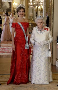 Britain's Queen Elizabeth II and Queen Letizia of Spain pose for a group photograph before a State Banquet at Buckingham Palace on July 12, 2017 in London, England.