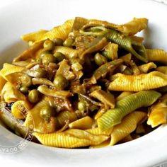 Garganelli con carciofi e piselli. Condivisa da: http://italiansdoeatbetter.blogspot.it