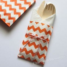 Smart for a festive out door event a nice way to dress up the table!! :)  10 Table Setting Orange Chevron Silverware Bags Thanksgiving w/ Wooden Flatware Cutlery Wedding Birthday Baby Shower Favors Paper | http://my-picnic-gallery.blogspot.com
